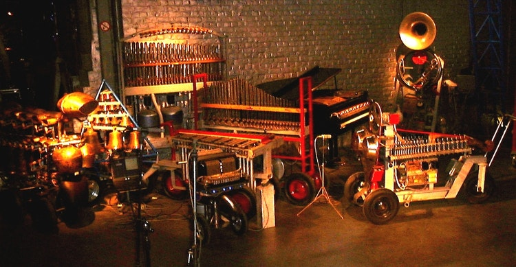 van links naar rechts: vacca, belly, vox humanola, vibi, piperola, pianola (of player piano), hurdy, so