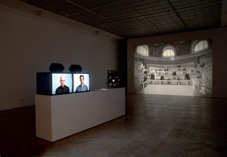 installatiezicht, Ernst Muzeum, Mucsarnok/Kunsthalle, Budapest, 2009 © foto Ana Torfs