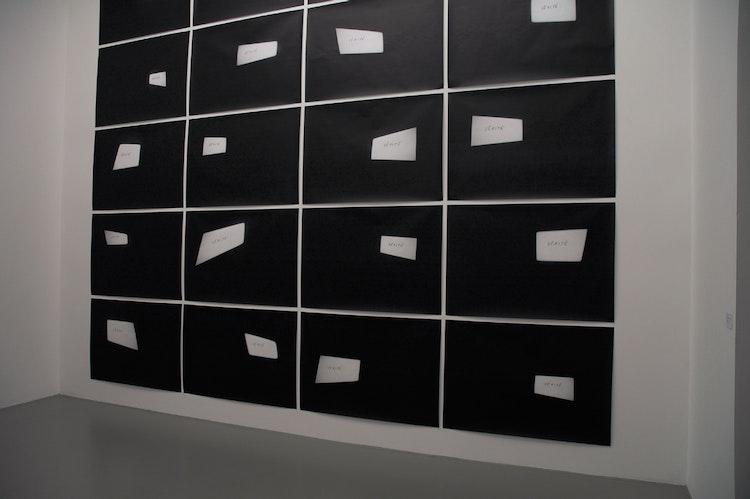 Installatiezicht, daadgalerie, Berlijn, 2006 © foto Ana Torfs