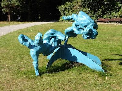 Two reclining figures on a Calder base for Middelheim