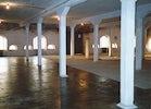 deel van de installatie 'Villa Doorsparen', 2001 Z.t. (deels geverniste betonnen vloer) 2001