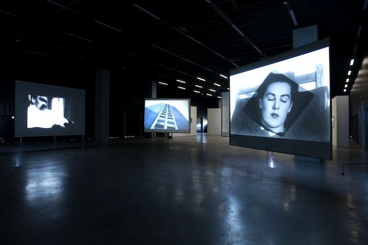 Installatiezicht tentoonstelling Poëtische Machine