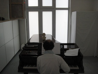 Salon blanc, solotentoonstelling Koen Broucke, 2011