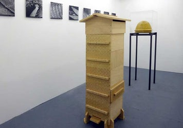 Annemie Maes - the Bee Laboratory (wax beehive + Warré beehive)