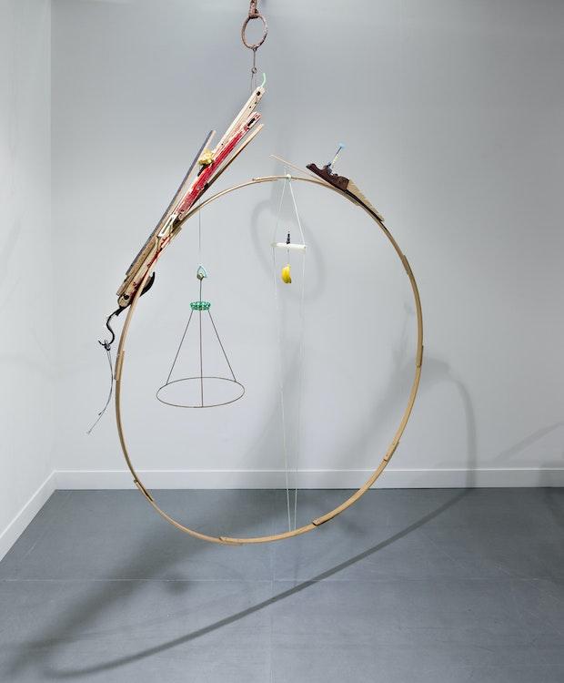 Cercle avec chien écrasé, Jeroen Frateur, opstelling in Fiac Officielle, Paris (FR)