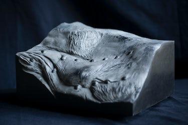 'Erratic', zwarte Belgische marmer, 2017