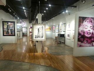 Crown Gallery