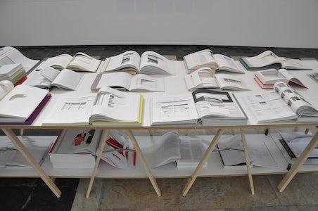 Restricted Art Zone Censuursculpturen Boeken 1997